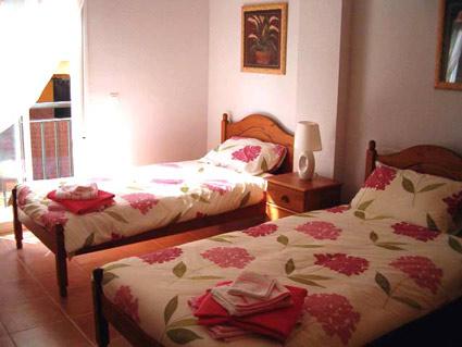 Three bedroom apartment to rent Anoreta golf Costa del Sol - Bedroom 2 - Twin