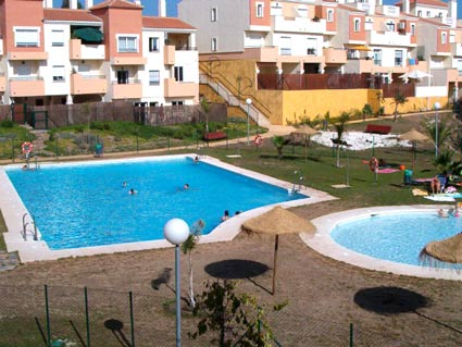 Three bedroom apartment to rent Anoreta golf Costa del Sol - Communal Swimming Pool
