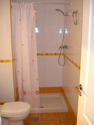 Algarrobo Apartment, Algarrobo Costa - Separate Showerroom