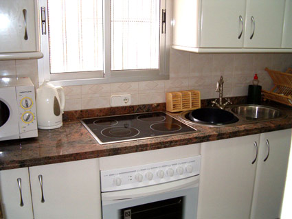 Four Bedroom House To Rent Algarrobo Costa del Sol - Kitchen