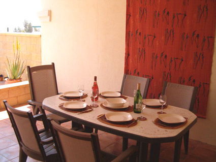 Three bedroom apartment to rent Anoreta golf Costa del Sol - Covered Terrace dining area