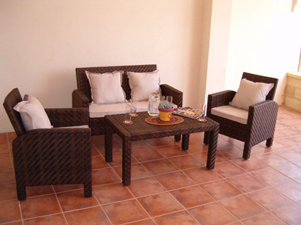 Three bedroom apartment to rent Anoreta golf Costa del Sol - Covered Terrace seating area