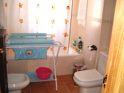 Three Bedroom Golf Course Property For Sale ANG004 - Family Bathroom
