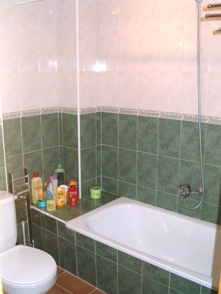 two bedroom apartment to rent anoreta golf  - Family Bathroom