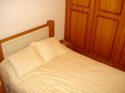 Holiday rental apartment ref. ANG008 - Bedroom 2