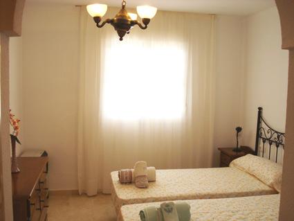 Bedroom 1 Twin beds & en-suite bathroom