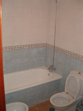 Four or Five Bedroom House For Rent or Sale Chilches Costa del Sol - Family Bathroom