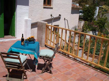 Rustic One Bedroom Apartment To Rent, near Rubite Costa del Sol, Terrace and Garden