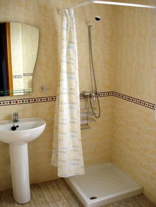 Malaga Apartment Rental, Rincon de la Victoria - Separate Shower Room