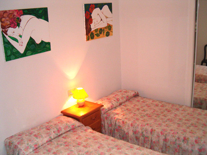 One bedroom apartment to rent Torrox Costa Twin Bedroom