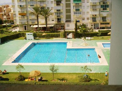 studio apartment to rent Torrox Costa Communal Pool