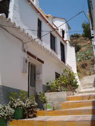 Exterior of 2 bedroom house for rent in Torrox Pueblo