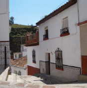 2-3 bedroom village house to rent in Velez-Malaga - click for details