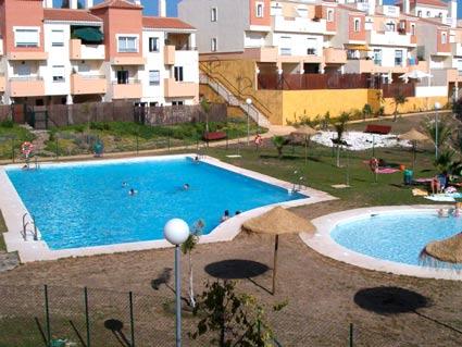 Three bedroom apartment to rent Anoreta golf Costa del Sol - Communal Swimming Pool