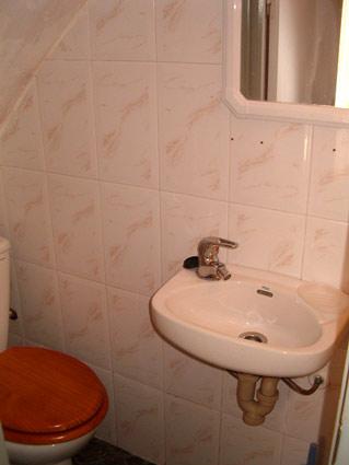 Four Bedroom House To Rent Algarrobo Costa del Sol - Cloakroom