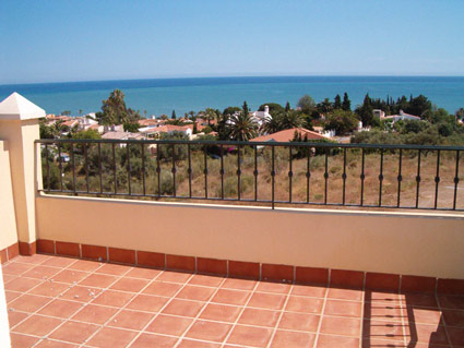 Four or Five Bedroom House For Rent or Sale Chilches Costa del Sol - Sunny Roof Terrace